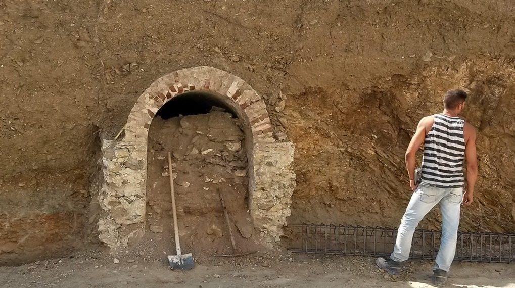 Il misterioso tunnel di Agia Marina (Leros)